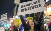 A demonstration for Venezuela's sovereignty in Los Angeles. (© picture-alliance/dpa)
