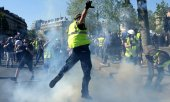 Yellow vests protest on April 20 in Paris. (© picture-alliance/dpa)