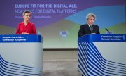 Margrethe Vestager stressed that the same rules must apply online and offline. (© picture-alliance/dpa)