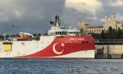 The Turkish research vessel Oruç Reis in the port of Istanbul. (© picture-alliance/dpa/abaca)