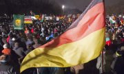 Some 18,000 people took part in the biggest Pegida demonstration on Monday in Dresden. (© picture-alliance/dpa)