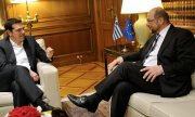 Schulz (right) was the first top-level EU representative to meet Prime Minister Tsipras after the elections. (© picture-alliance/dpa)