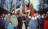 Tens of thousands demonstrated in Tallinn on 24.02.1989, Estonia's old independence day. (© picture-alliance/dpa)
