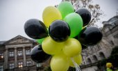 Balloons in the colours of the CDU/CSU, the FDP and the Greens. (© picture-alliance/dpa)