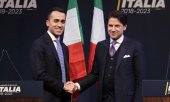 Giuseppe Conte (right) with 5 Star leader Luigi Di Maio in March. (© picture-alliance/dpa)