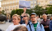 Protests are also taking place in front of the Sejm in Warsaw. (© picture-alliance/dpa)