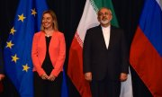 EU High Representative for Foreign Affairs Mogherini and Iran's Foreign Minister Zarif at the signing of the nuclear deal in 2015. (© picture-alliance/dpa)