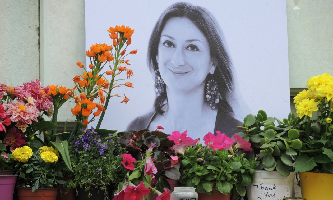 A photograph outside the Courts of Justice building in Valletta comemorating the murdered journalist Daphne Caruana Galizia.