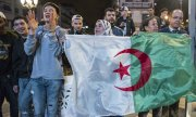 Jubiliation in Algeria after Bouteflika's withdrawal. (© picture-alliance/dpa)
