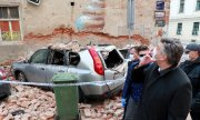 Croatia's Prime Minister Plenković viewing the damage in Zagreb's city centre. (© picture-alliance/dpa)