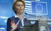 EU Commission President Ursula von der Leyen presents the results of the summit. (© picture-alliance/dpa)