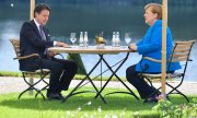 At one of the many bilateral discussions before the summit German Chancellor Angela Merkel met with her Italian counterpart Giuseppe Conte at Schloss Meseberg. (© picture-alliance/dpa)