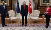 Like the game Musical Chairs - with one chair missing! (© picture-alliance/Turkish Presidential Press Service)