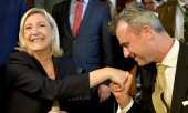 Front National leader Marine Le Pen with the presidential candidate of the Freedom Party of Austria Norbert Hofer. (© picture-alliance/dpa)