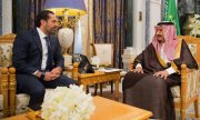 The Lebanese ex-prime minister Hariri (left) with King Salman of Saudi Arabia. (© picture-alliance/dpa)