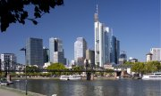 Frankfurt skyline. Commerzbank and Deutsche Bank have their headquarters here. (© picture-alliance/dpa)