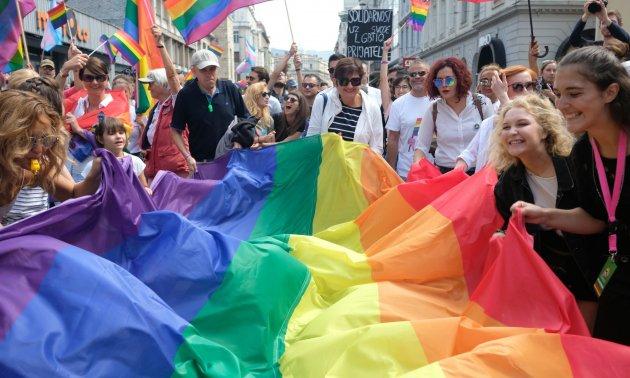 Bosna gay Položaj LGBT