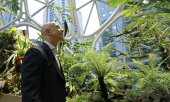 """We can save Earth"", schrieb Bezos in seiner Ankündigung. (© picture-alliance/dpa)"