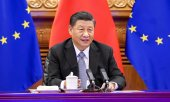 Chinese President Xi Jinping during the video conference with EU leaders. (© picture-alliance/dpa/Li Xueren)